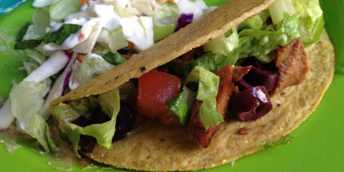 ... : Soy Lime Seitan Tacos with Mango and Chipotle Aioli - Chic Vegan