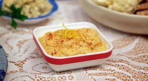 Laura Theodore's Lots of Garlic Hummus