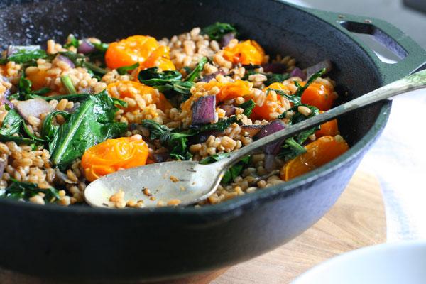 Roasted Tomato, Garlic & Greens Farro Salad - Chic Vegan