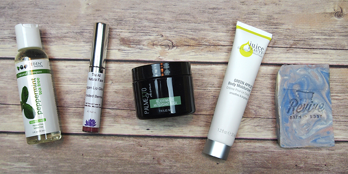 Get ready for sweater weather with the October Vegan Cuts Beauty Box!