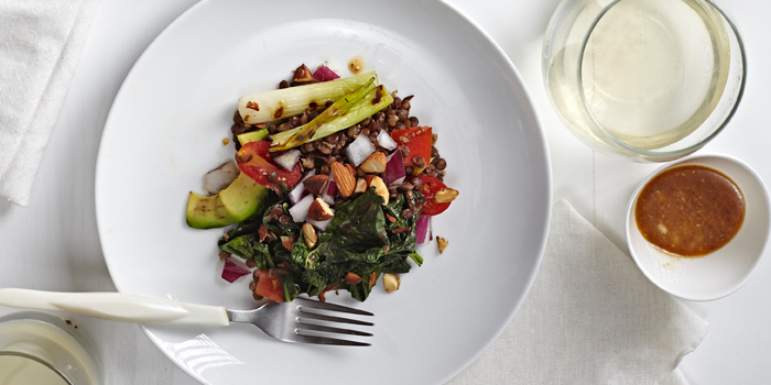 Recipe: Grilled Kale Salad with Spicy Lentils