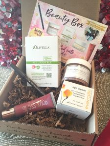 he The November Vegan Cuts Vegan Beauty Box