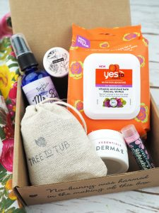 The April Vegan Cuts Vegan Beauty Box