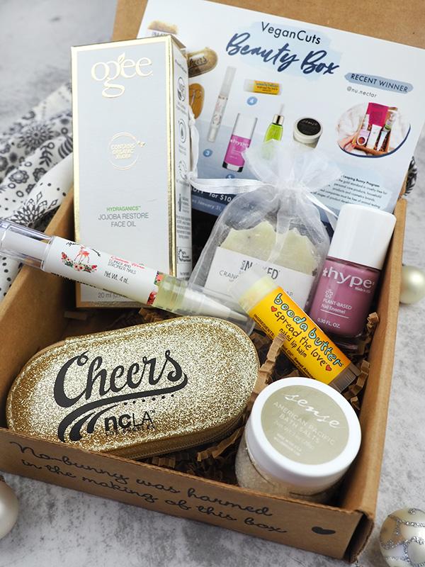 the December Vegan Cuts Vegan Beauty Box